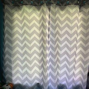 Like New Chevron gray/white curtains 40x84 (4)
